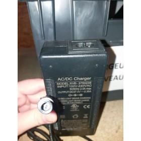 Chargeur 33V 2Ah pour trottinette E-twow Booster Plus